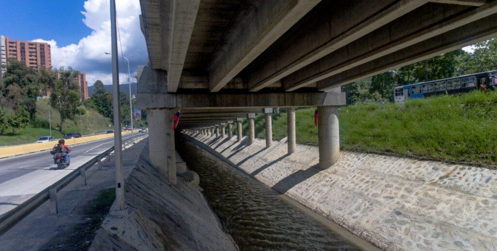 PILPERCA Canalización del Río Valle 1024x517 - Pilperca 61 años ayudando al desarrollo y modernización de la infraestructura de Venezuela