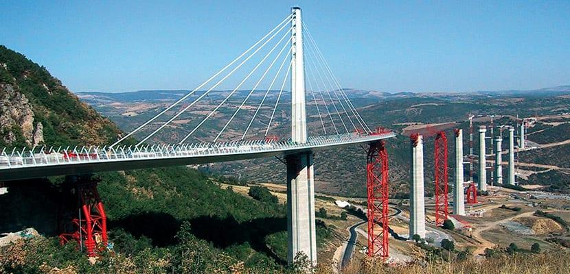 Claudio Antonio Ramirez Soto El Viaducto Millau impresionante obra de la ingenieria del siglo XXI 1 - El Viaducto Millau, impresionante obra de la ingeniería del siglo XXI
