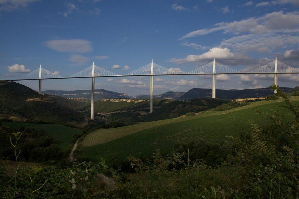 Claudio Antonio Ramirez Soto El Viaducto Millau impresionante obra de la ingenieria del siglo XXI 2 1024x681 - El Viaducto Millau, impresionante obra de la ingeniería del siglo XXI